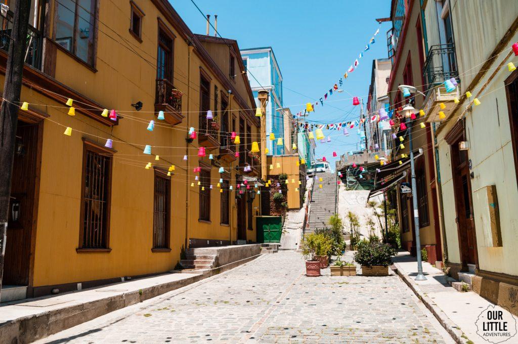 kolorowe budynki - miasto Valparaiso