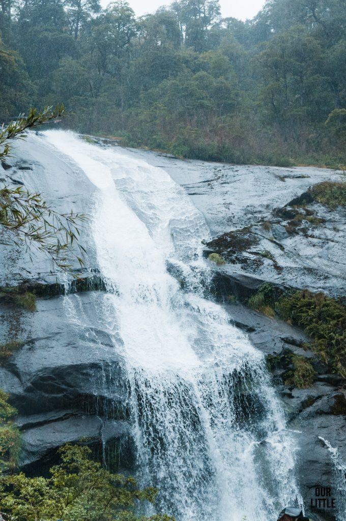 wodospad w Parku Narodowym Huerquehue