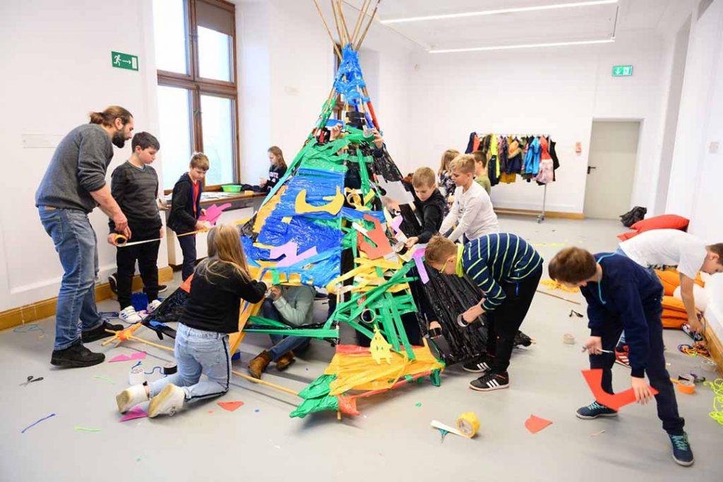 Wystawy dla dzieci w Warszawie:  Dotknij sztuki w Zamku Ujazdowskim