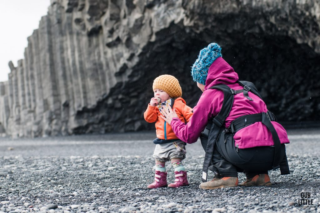 kamienie na czarnej plaży Reynisfjary