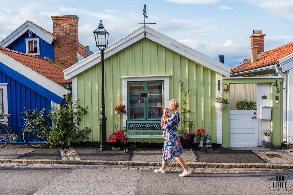 Rejs promem do Krainy Pippi - Karlskrona i kolorowe domki rybaków w dzielnicy portowej, Our Little Adventures