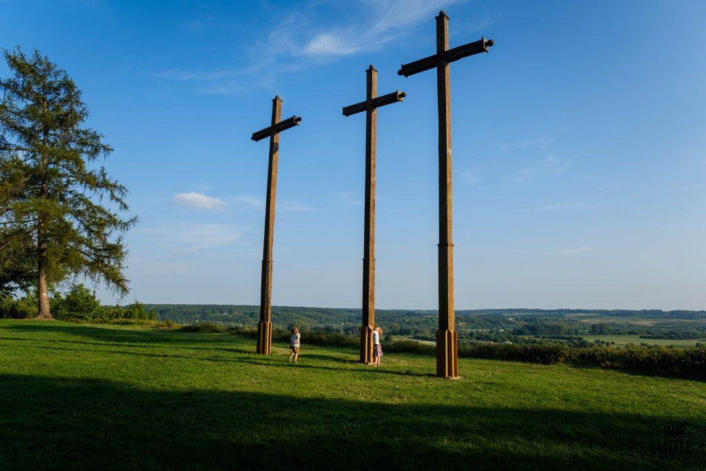 Trzy Krzyże na Górze Zamkowej - pamiątka po epidemii cholery, Janowiec nad Wisłą
