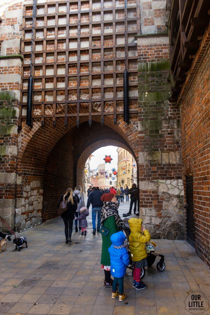 Krata w bramie krakowskiej