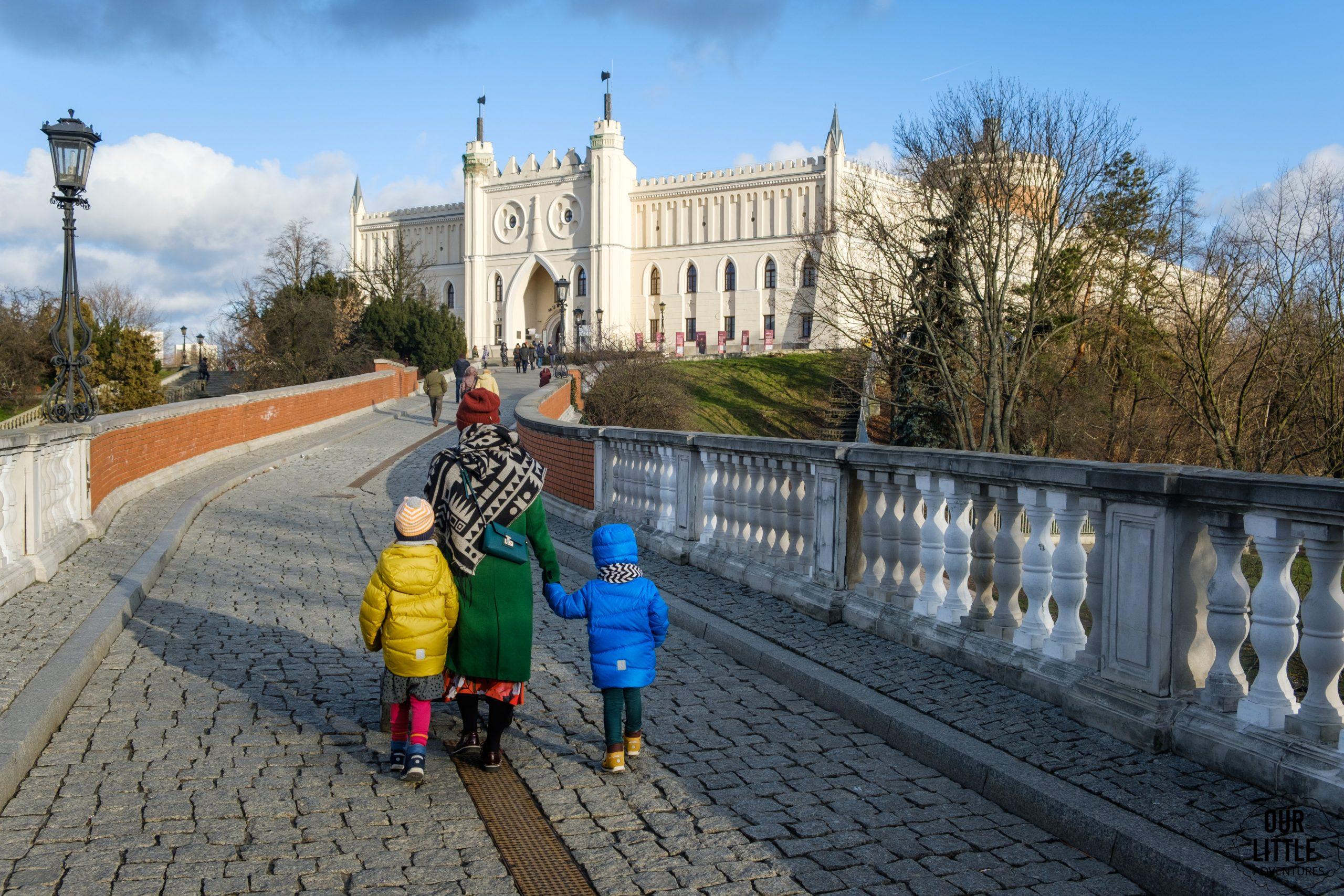 Trakt Królewski w Lublinie z dziećmi i wózkiem