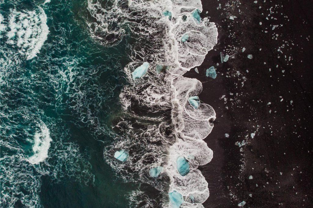 Diamentowa plaża z drona