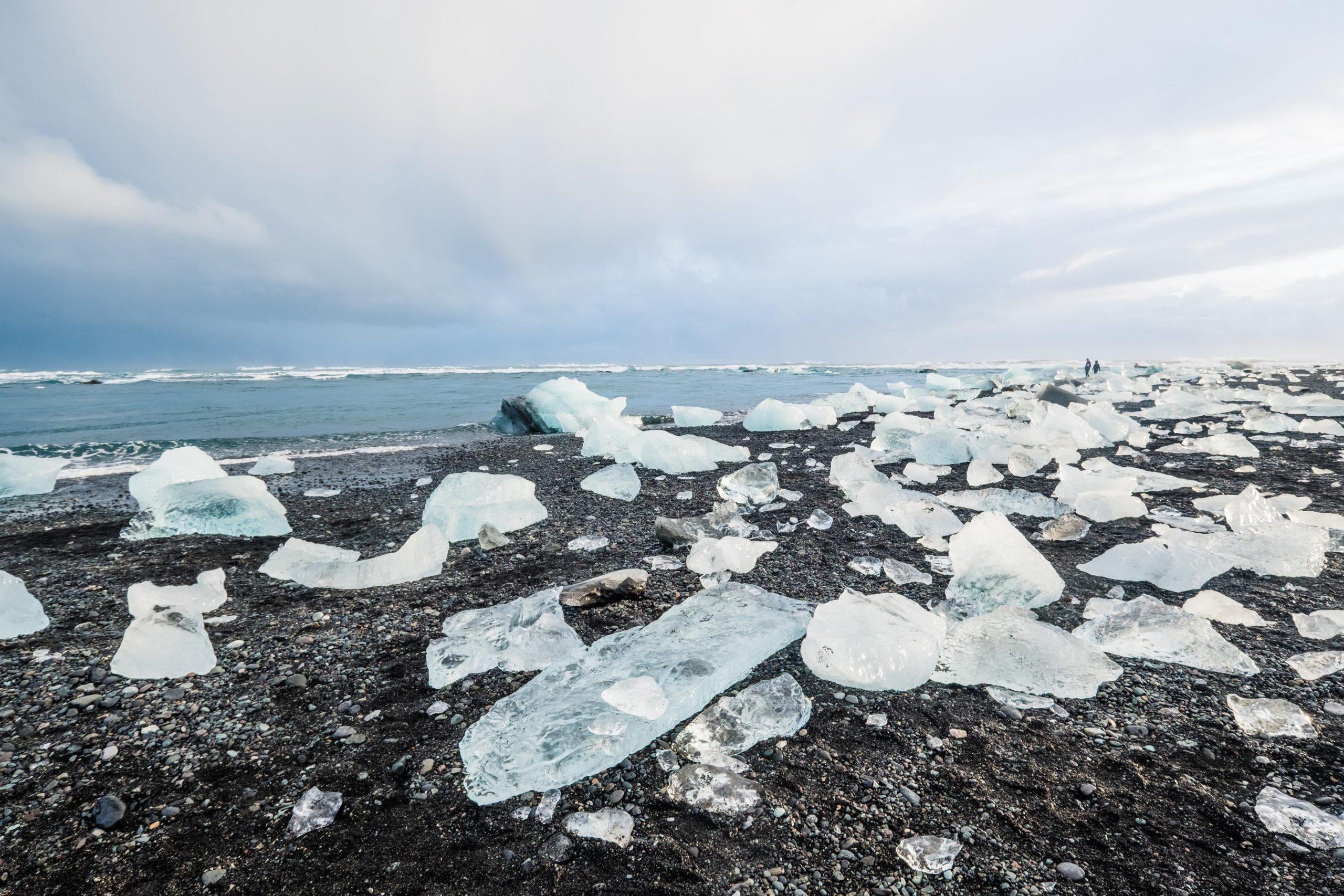 Diamentowa plaża islandia zimą