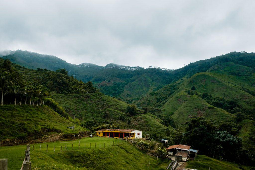 Kolumbijska finca w drodze do Pijao