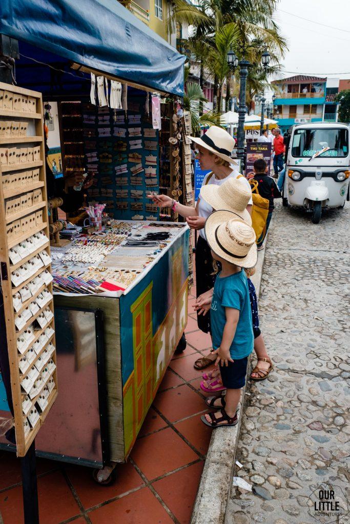 kupujemy pamiątki w Guatape
