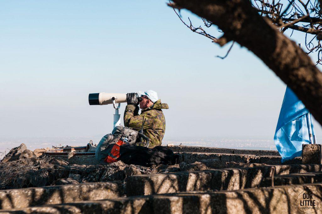 żołnierz ONZ obserwujący granicę z Syrią