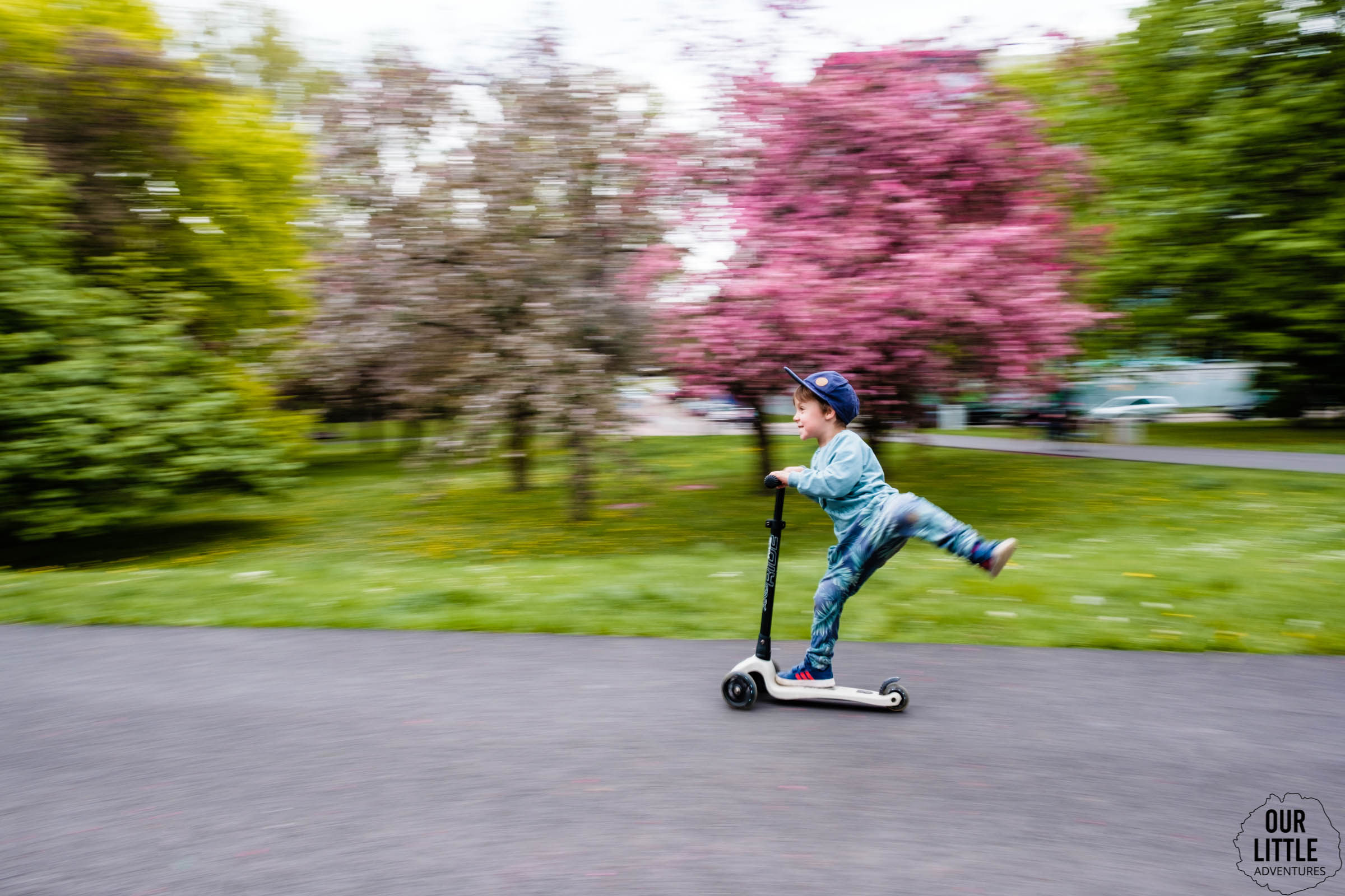 Jasio na hulajnodze Scoot