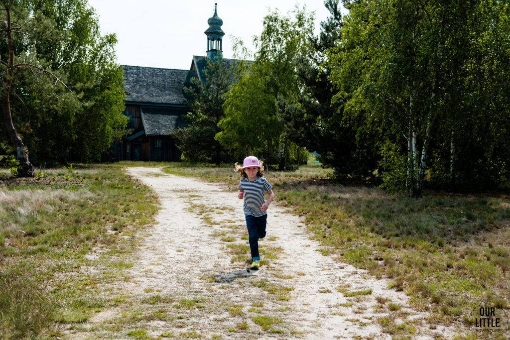 Skansen w Łowiczu, drewniany kościół, Our Little Adventures