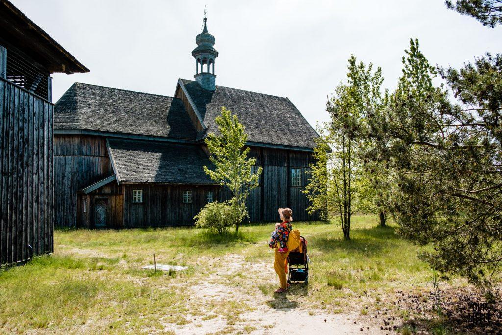Skansen w Łowiczu, drewniany kościółek, Our Little Adventures