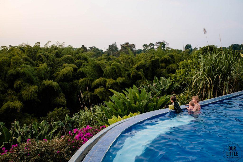 basen w hotelu Hacienda Combia w regionie Kawy w Kolumbii