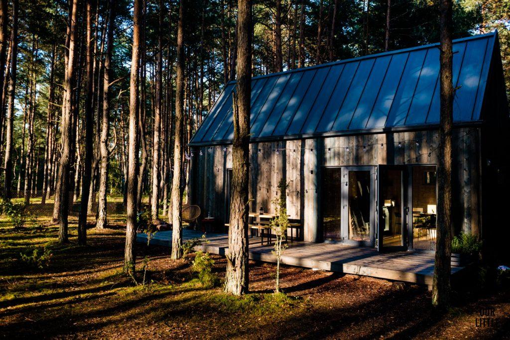 House for Rest - leśny reset w nowoczesnej stodole pod Warszawą