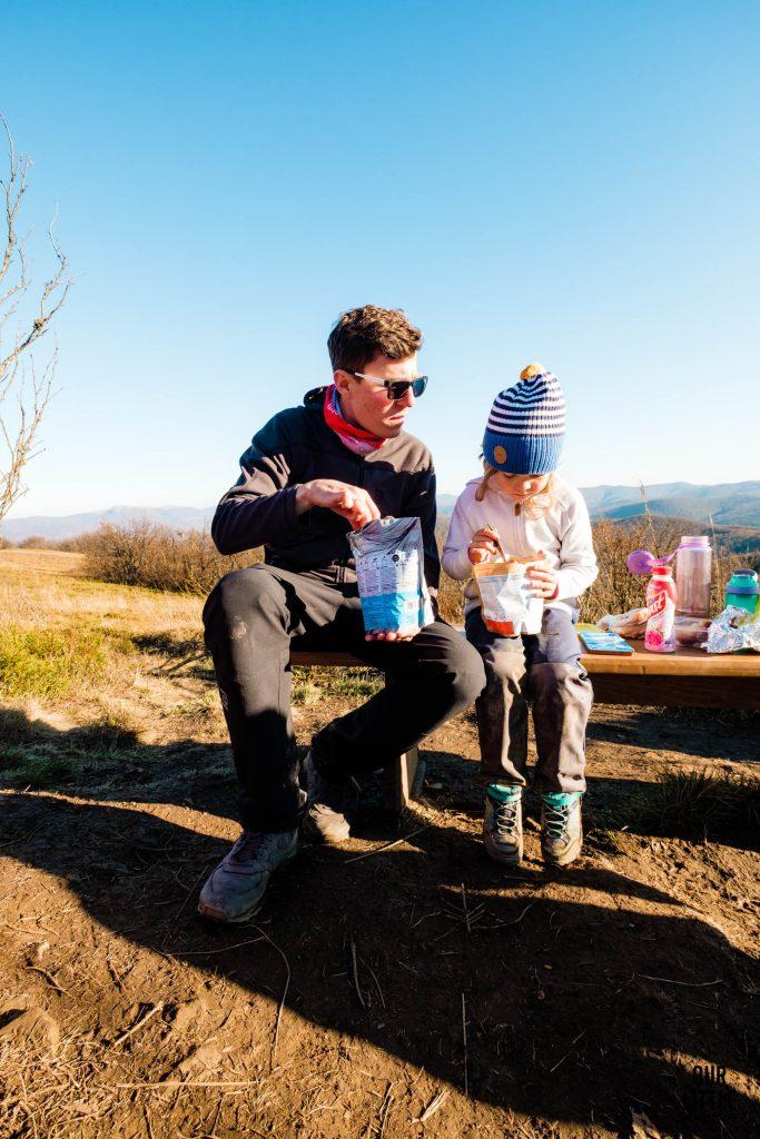 Piknik z dziećmi na szczycie Wielkiego Jasła