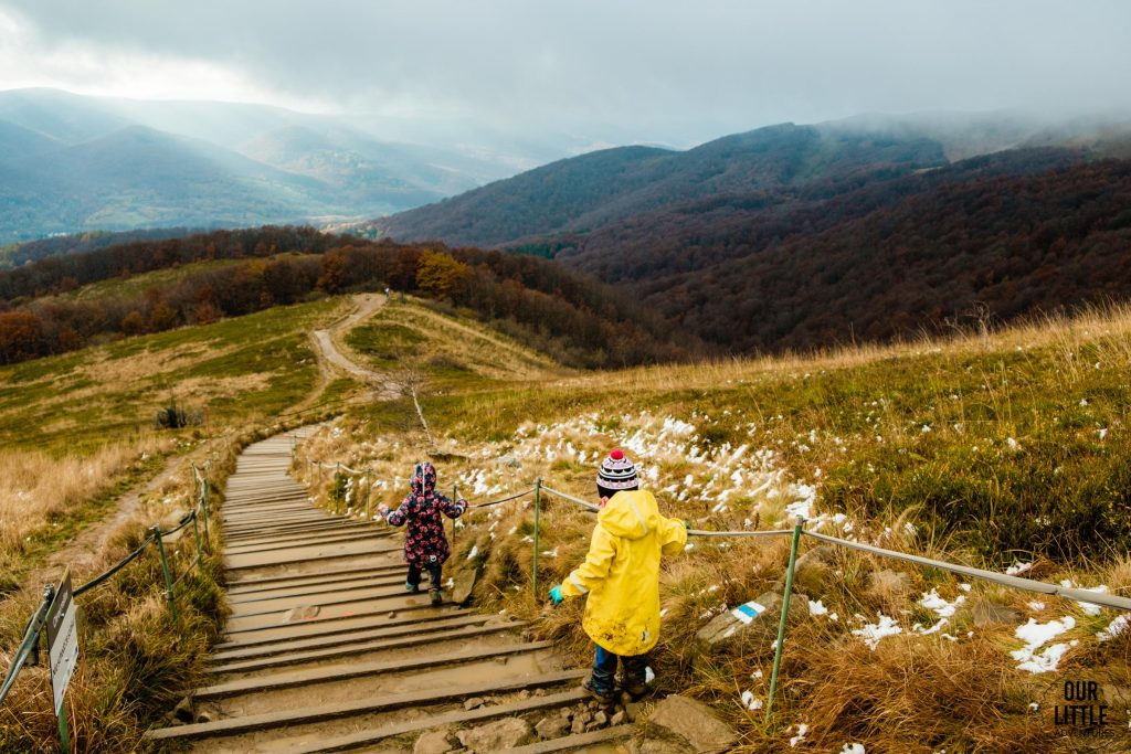 Schodzimy niebieskim szlakiem z Tarnicy