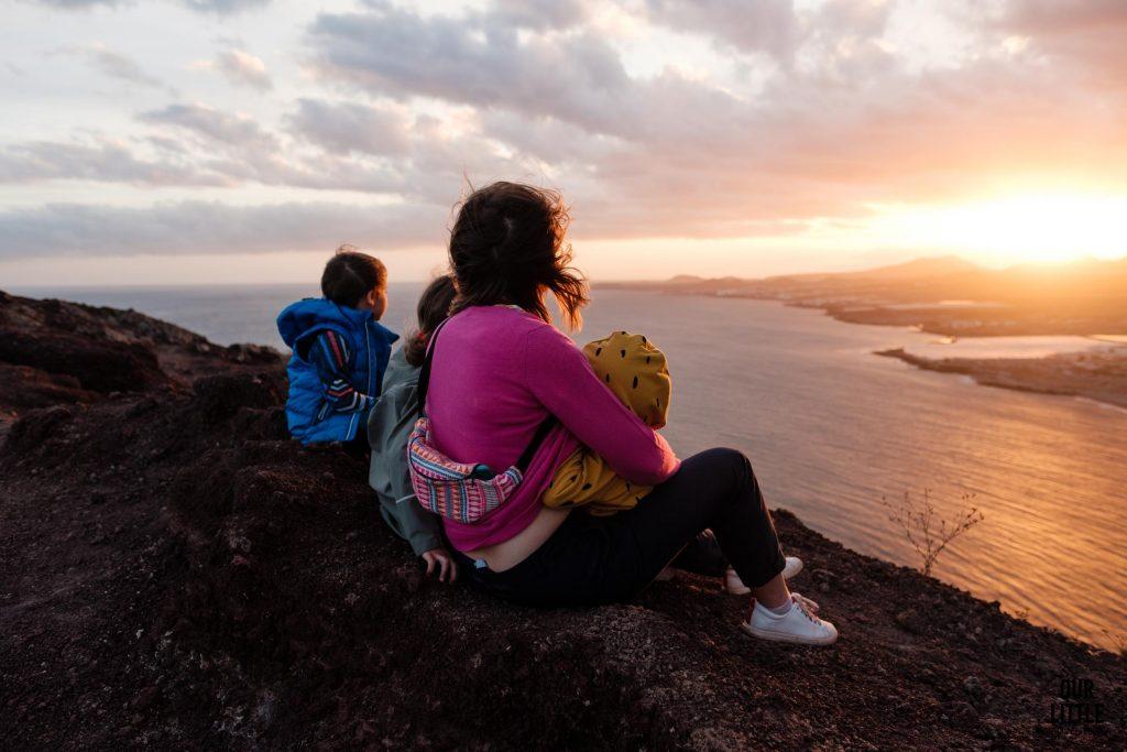 Rodzina na szczycie Montana Roja na Tenryfie