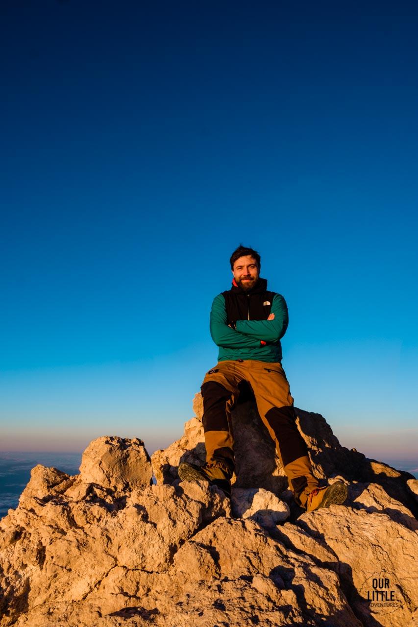 Szczyt Teide o wschodzie słońca