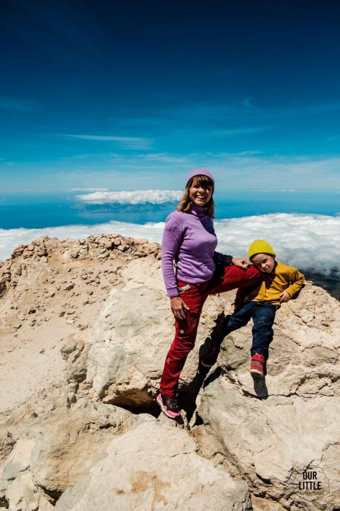 na szczycie el pico del teide z dziecmi