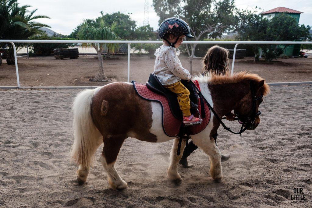 przejażdżki dla dzieci konno na Teneryfie