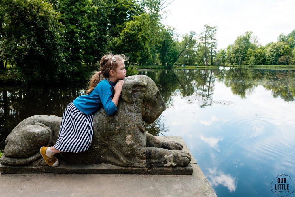 Park Romantyczny w Arkadii - baśniowa wycieczka pod Warszawę - Our Little Adventures