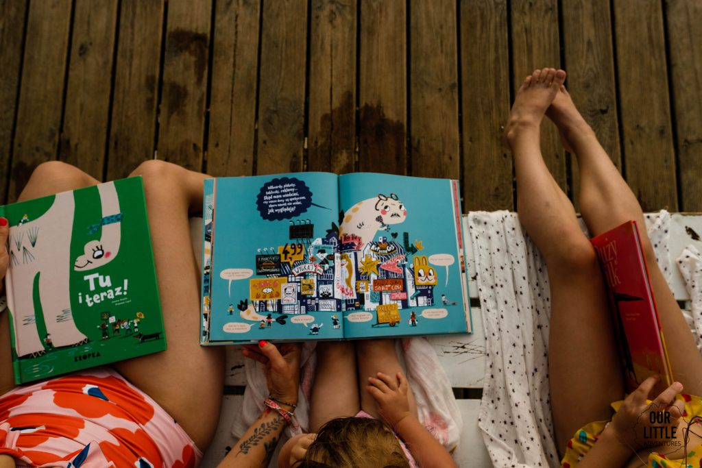 Co czytać w wakacje? Nasze ulubione książki dla dzieci na lato -Miasto potwór- Our Little Adventures