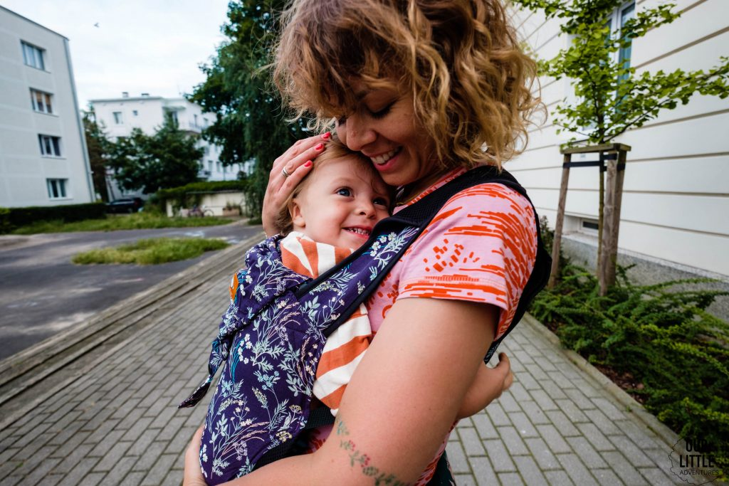 Dlaczego warto się przytulać - Our Little Adventures - Tula Lite