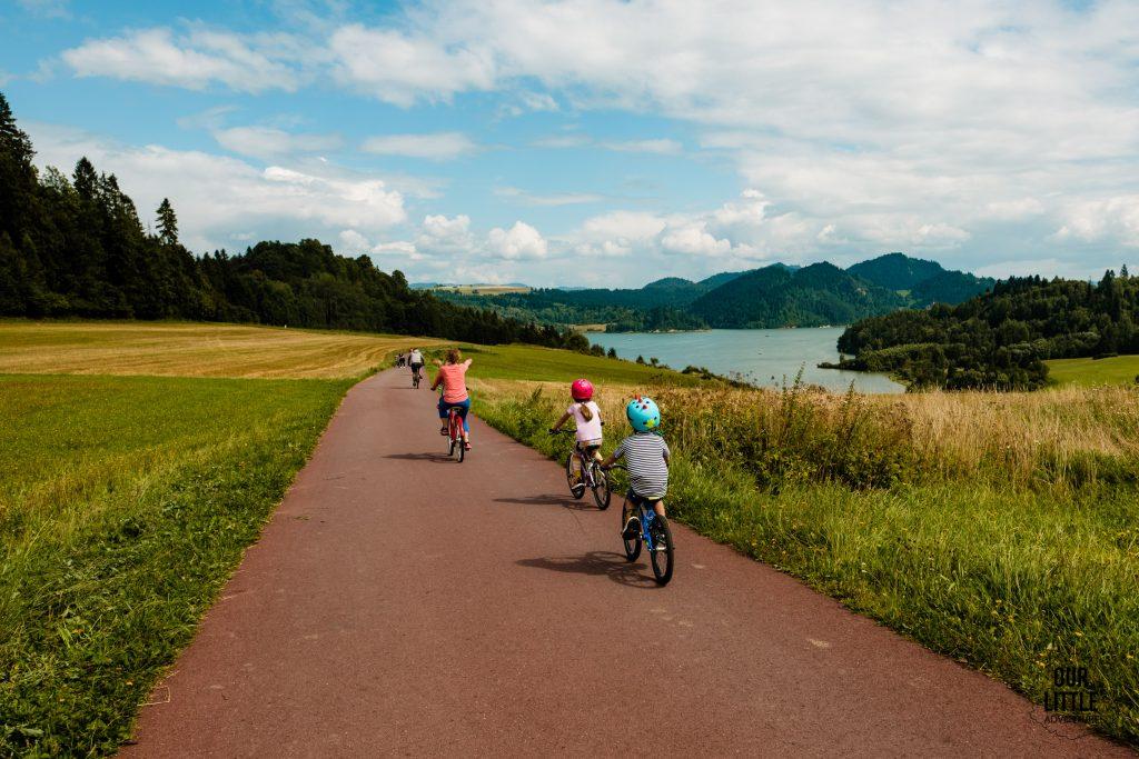 Rabka Zdrój atrakcje dla dzieci, ścieżka rowerowa wokół Jeziora Czorsztyńskiego Velo Czorsztyn, Our Little Adventures