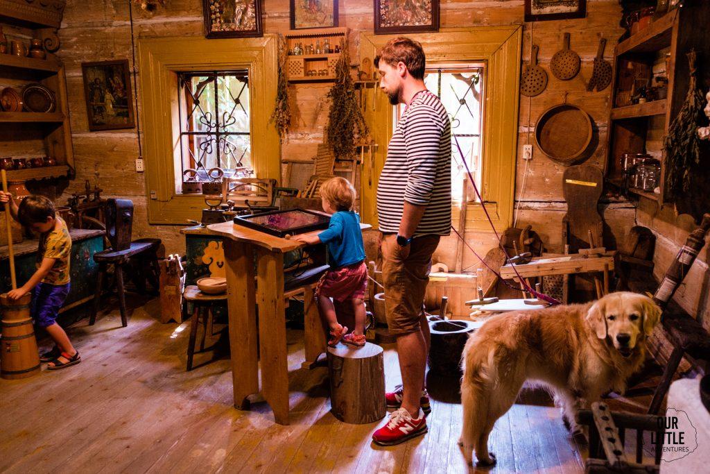 Rabka Zdrój atrakcje dla dzieci, Muzeum Zbójników i Górali, Our Little Adventures