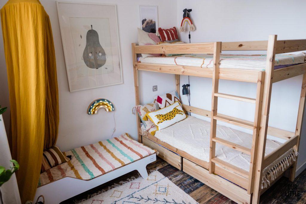 Łóżka w pokoju dzieci, fot. OurLittleAdventures.pl